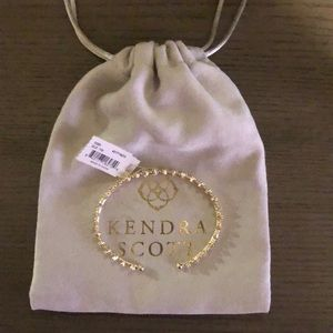 Kendra Scott Jewelry - Kendra Scott Cody pinch bracelet in gold